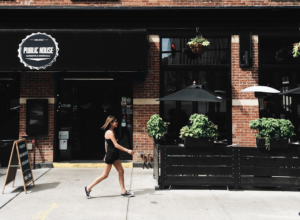 The Animalista Chicago pet friendly restaurants - Public House